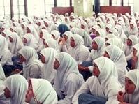 Aturan Wajib Jilbab di SMP Dapat Perhatian Bupati Banyuwangi