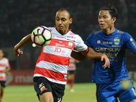 Madura United Bersiap Lepas Peter Odemwingie