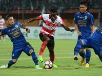 Laga Babak Pertama Persib vs Madura United Skor Masih 0-0