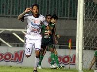Irfan Bachdim Teken Perpanjangan Kontrak di Bali United