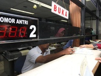 Anies: Banyak Mobil Mewah Ganti Pemilik Tapi Belum Balik Nama