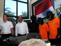 Polres Bekasi Kejar Lima Tersangka Kasus Pembakaran Zoya