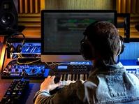 Musik Buatan Mesin Vs Musik Buatan Manusia