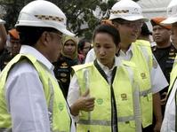 Menteri Rini Optimistis BUMN Bisa Borong Saham Freeport