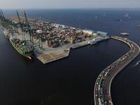 Ekspor Impor di Pelabuhan New Priok