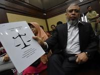 Pledoi Patrialis Akbar Limpahkan Kesalahan ke Kamaluddin