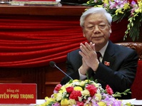 Sekjen Partai Komunis Vietnam Disambut Jokowi di Istana