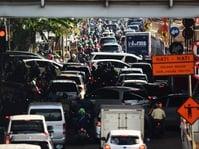 Di Jakarta, Orang Buang Umur Seminggu di Jalanan Tiap Tahun