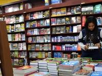 Bagaimana Buku Dicap Harga Sebelum Sampai ke Tangan Pembaca?