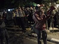 Massa Mengepung Gedung LBH Jakarta