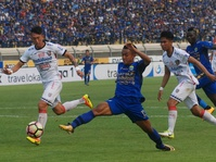 Live Streaming Liga GoJek Traveloka Persib vs Bhayangkara FC