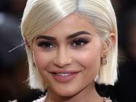 Kylie Jenner Dikabarkan Hamil