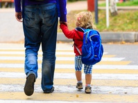 Orangtua Tidak Perlu Buru-Buru Menyekolahkan Anak