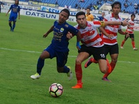 Jadwal Laga Madura United vs Bhayangkara FC Ditunda 8 November 2017
