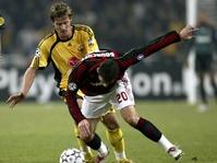 AC Milan Diejek Fans Usai Bermain Imbang Kontra AEK Athens