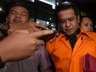 Ditahan KPK, Bupati Nganjuk Taufiqurrahman Minta Maaf ke Warganya