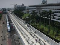 Tembok Pembatas MRT Terjatuh dan Menimpa Pengendara Motor