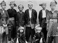 Revolusi dan Perubahan Tipe Nama Orang Minangkabau
