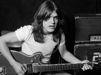 Malcolm Young, Gitaris dan Pendiri AC/DC Meninggal Dunia