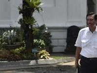 Luhut Sebut Penetapan Status Awas Buat Perekonomian di Bali Anjlok