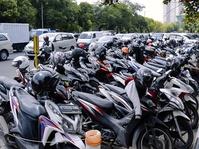 Halo, Milenial! Penghasilan Jukir di Jakarta Bisa 3 Kali Lipat UMR