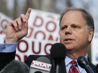 Kursi Senat Alabama Diambil Alih Demokrat, Pukulan Telak buat Trump