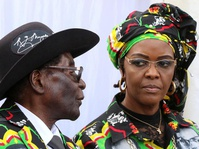 Anak-Istri Mugabe Masih Hidup Mewah di Atas Derita Rakyat Zimbabwe