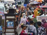 Potret Semrawut PKL Kota Tua Saat Libur Akhir Tahun