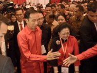 Dusta Menkumham Yasonna & Presiden Jokowi dalam UU MD3