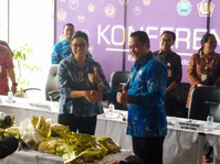 Dirjen Bea Cukai & BNN Amankan 4 Penyelundup 40 Kilogram Sabu-Sabu