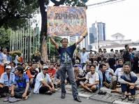 Sopir Angkot Tanah Abang Protes Penutupan Jalan di Tanah Abang