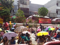 Hari Raya Imlek, Ratusan Warga Rela Mengantre Angpao