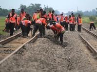 Sempat Lumpuh, Jalur Kereta Api Cirebon Sudah Bisa Dilewati