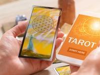 Tarot Online Menjamur, Tapi Mengapa Orang Suka Diramal?