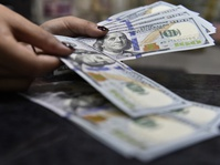Dolar yang Kembali Perkasa, Bisakah Tembus Rp15.000?