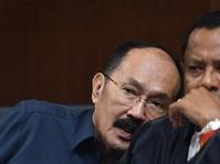 Fredrich Yunadi Adukan Heru Winarko & Direktur KPK ke Propam Polri