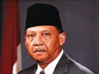 Balas Budi Soeharto untuk Umar Wirahadikusumah