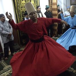 Menggapai Cinta Ilahi Lewat Tari Sufi