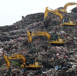 Bagaimana Ribut-Ribut Soal Sampah Jakarta dan Bekasi Bisa Terjadi?