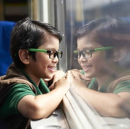 Naik Kereta Api: Kita Bernostalgia, Anak Bahagia
