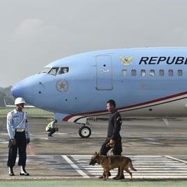 Pengecatan Ulang Pesawat Kepresidenan: Buang Uang saat Rakyat Susah