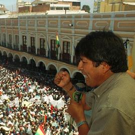 Ketika Kekuasaan Berbalik Memakan Evo Morales