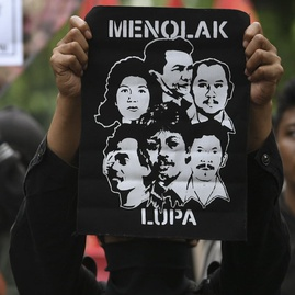 Indonesia Mesti Becermin kepada Gus Dur dan Pemerintah Belanda