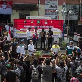 DPR & Pemerintah Putuskan Pilkada Berlanjut, Tapi Larang Konser