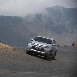 DNA Reli Dakar pada Mitsubishi Pajero Sport