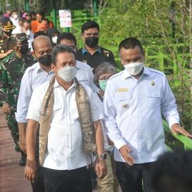 Menteri Trenggono Terbitkan Aturan Larangan Ekspor Benih Lobster