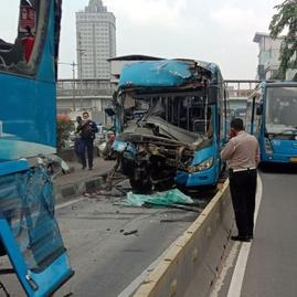 Kecelakaan Bus Transjakarta Hari Ini: 3 Meninggal, 30 Orang Luka