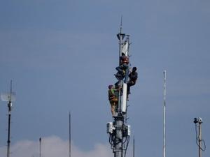 Langkah Berat Bakrie Telecom dan Smartfren Mencuri Pasar