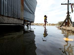 Supermoon dan Ancaman Rob di Kawasan Pesisir Indonesia