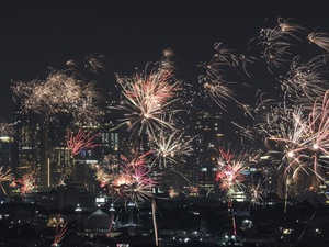 Perbedaan Perayaan Tahun Baru di Jakarta Era Jokowi, Ahok, & Anies